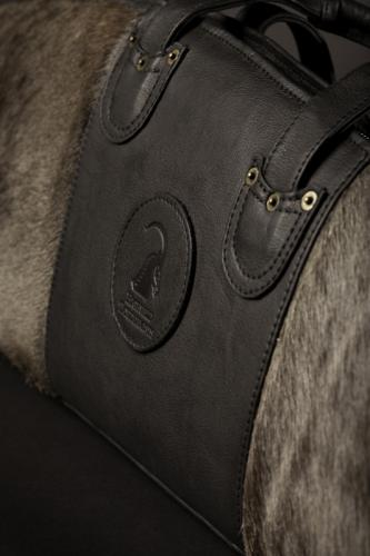 Bluewildebeest rifle bag detail 1