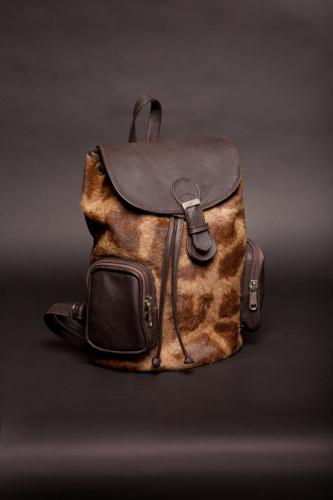 Giraffe back pack
